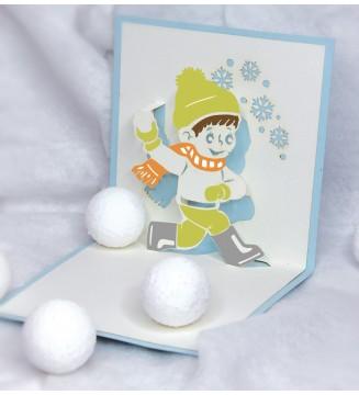 Garçon boule de neige